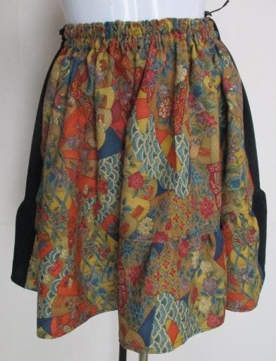 送料無料 花柄と黒の着物で作ったミニスカート 3588