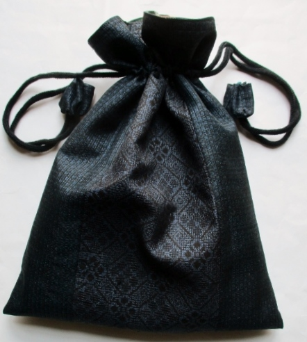 送料無料 藍大島紬で作った巾着袋 3664