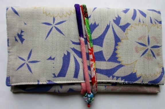 着物リメイク 花柄の長襦袢で作った和風財布  3669