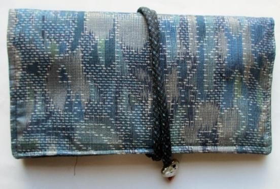 送料無料 色大島紬で作った和風財布・ポーチ 3695