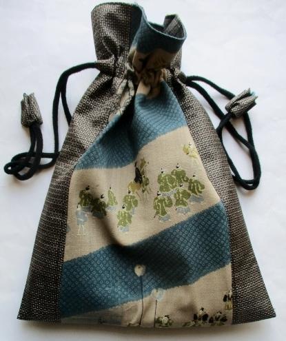 送料無料 長襦袢と大島紬で作った巾着袋 3718