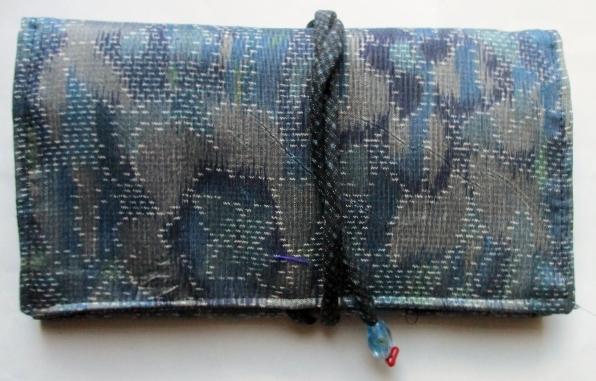 送料無料 色大島紬で作った和風財布・ポーチ 3742