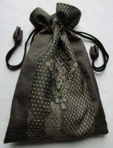送料無料 花柄の着物で作ったサブリナパンツ 3756