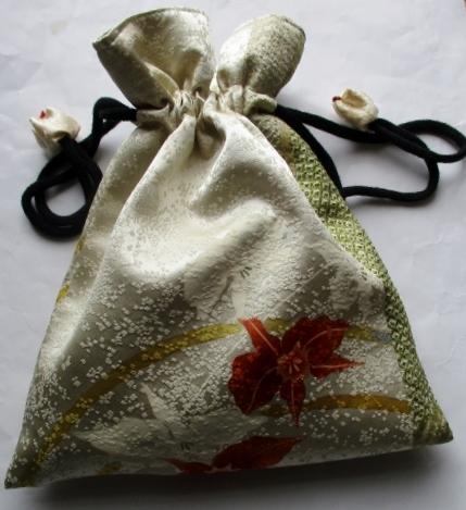送料無料 花柄の訪問着で作った巾着袋 3836